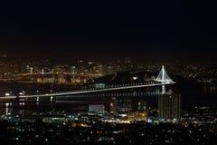Мост залива Сан-Франциско Окленд на ноче (новая восточная пядь) Стоковые Фотографии RF