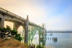 Мост залива Yaquina Стоковые Изображения