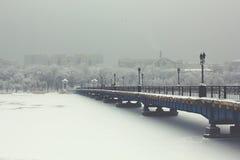 Мост зимы стоковые изображения rf