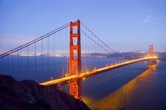 Мост золотистого строба на ноче Стоковые Фотографии RF