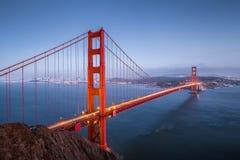 Мост золотого строба в сумерк, Сан-Франциско, Калифорния, США Стоковые Фотографии RF