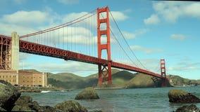Мост золотого строба с волнами акции видеоматериалы