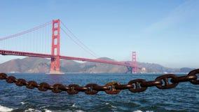 Мост золотистого строба в утре сток-видео