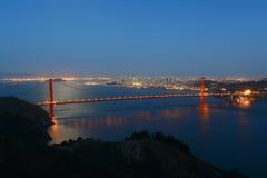 Мост золотого строба на ноче, Сан-Франциско, США Стоковые Изображения