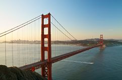 Мост золотого строба, Сан-Франциско на зоре Стоковые Фотографии RF
