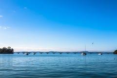 мост длиной над морем стоковое фото