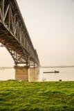 мост и злаковик металла Стоковая Фотография