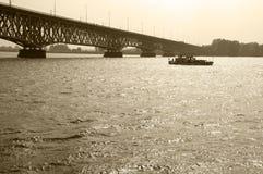 Мост и корабль Стоковая Фотография