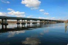 Мост и красивое небо Стоковая Фотография