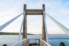 Мост как прогулка лестницы в заливе Мальте Sant Pauls стоковая фотография