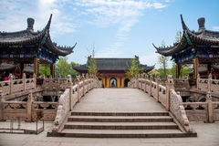 Мост камня виска Hui звона Шани Zhenjiang Jiao Стоковая Фотография
