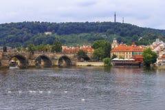 Мост Карла, Прага взгляд городка республики cesky чехословакского krumlov средневековый старый Стоковая Фотография