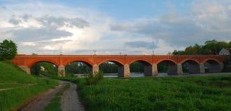 мост кирпича старый Стоковые Изображения
