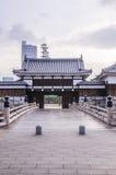 Мост, который нужно очаровать на замке Хиросимы с стеной для того чтобы защитить Стоковые Изображения RF