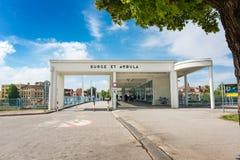 Мост к острову курорта в Piestany Словакии Перевод текста: Стоковая Фотография