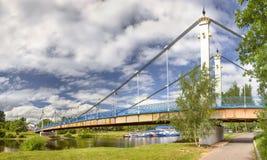 Мост к острову Damanskii yaroslavl России стоковое фото rf