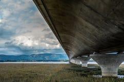 Мост к холмам Стоковое Изображение