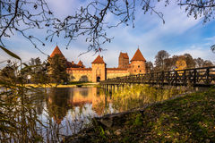 Мост к Trakai, Литве стоковые изображения
