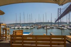 Мост Лиссабона от Марины Стоковые Фотографии RF