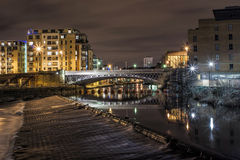 Мост Лидса на ноче (долгая выдержка) Стоковые Фото