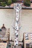 Мост Лондон тысячелетия Стоковая Фотография