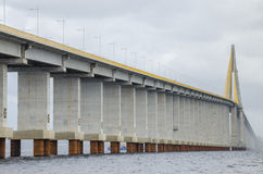 Мост Манаус-Iranduba над рекой негра. Стоковые Фото