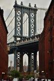 Мост Манхаттана от DUMBO стоковые фото