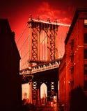 Мост Манхаттана увиденный от Dumbo, NYC стоковые фотографии rf