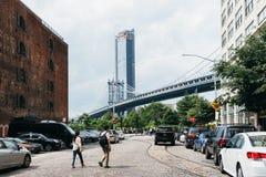 Мост Манхэттена от DUMBO в Нью-Йорке стоковая фотография