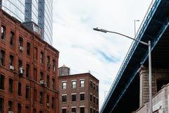 Мост Манхэттена от DUMBO в Нью-Йорке стоковая фотография rf