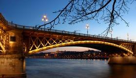Мост Маргарета в Будапеште, Венгрии на сумраке Стоковое Изображение