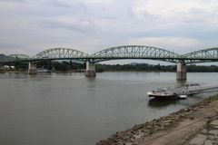 Мост Марии валерии между Венгрией и Словакией, Дунаем, Esztergom/Ostrihom стоковое фото