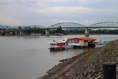 Мост Марии валерии между Венгрией и Словакией, Дунаем, Esztergom/Ostrihom стоковое изображение rf