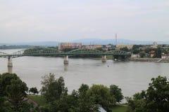 Мост Марии валерии между Венгрией и Словакией, Дунаем, Esztergom/Ostrihom стоковое изображение
