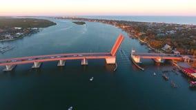 Мост мощёной дорожки стоковое изображение rf