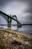 Мост над Ньюпортом, Орегоном стоковое изображение rf