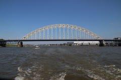 Мост над рекой Noord на Alblasserdam в Нидерландах стоковая фотография rf