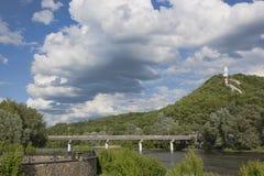 Мост над рекой Seversky Донца в Sviatohirsk Стоковые Фото