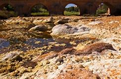 Мост над rio (рекой) Tinto в Niebla (Huelva) Стоковые Изображения RF