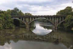 Мост над заводью Conococheague стоковая фотография rf