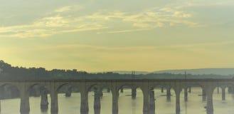 Мост на зоре Стоковая Фотография