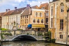 Мост на коммерчески улице Брюгге стоковое фото
