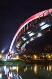 Мост на ноче в Тайбэй стоковое фото