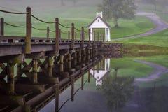 Мост на поле для гольфа Стоковые Фотографии RF