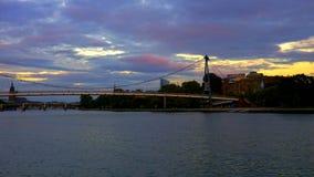 Мост на реке основы Франкфурта Стоковые Фотографии RF