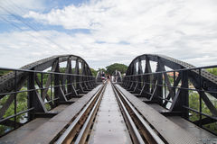 Мост на реке Kwai, Kanchanaburi, Таиланде Стоковые Фотографии RF