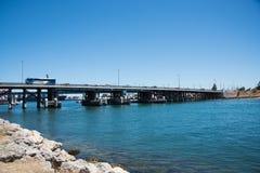 Мост над рекой лебедя Стоковая Фотография