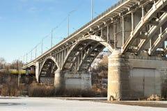 Мост над рекой стоковое фото rf