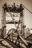 Мост над рекой Sado alcacer делает sal Португалии стоковые фотографии rf