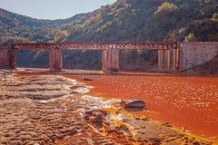 Мост над рекой Tinto, Уэльвой, Испанией Стоковое фото RF